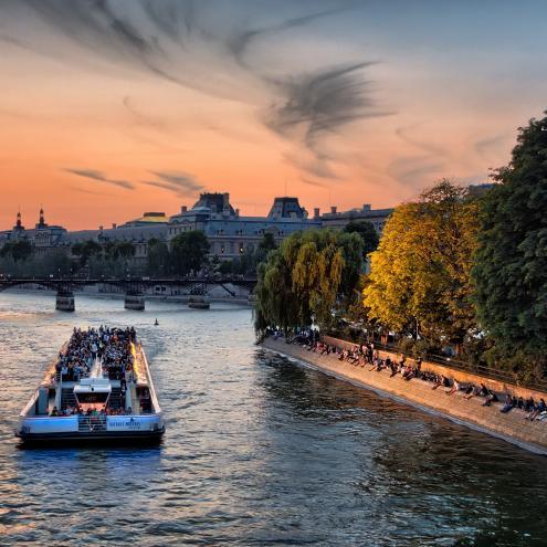 Visiter Paris en bus, bateau ou voiture !